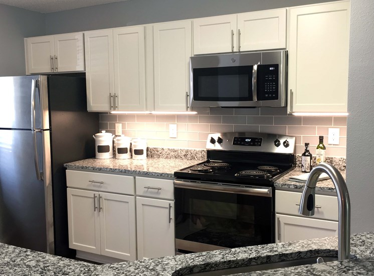 Fully Equipped kitchen at STONEGATE, Birmingham, AL, 35211