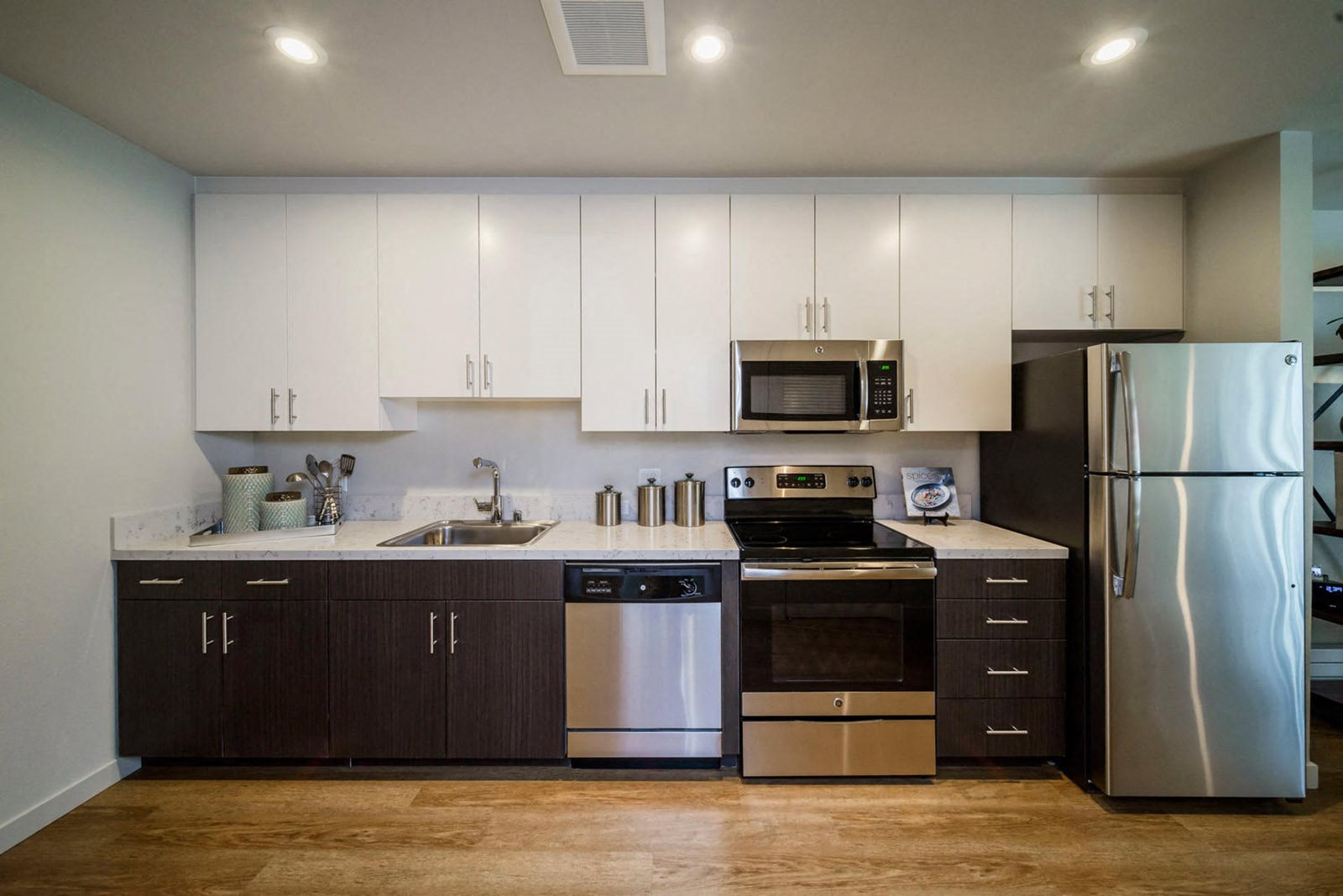ModelHomes-GE stainless steel appliances