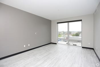1037 Michigan St 1-2 Beds Apartment for Rent Photo Gallery 1