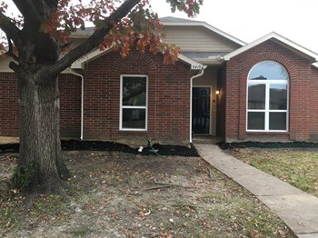 9419 Cedar Run Dr 3 Beds House for Rent Photo Gallery 1