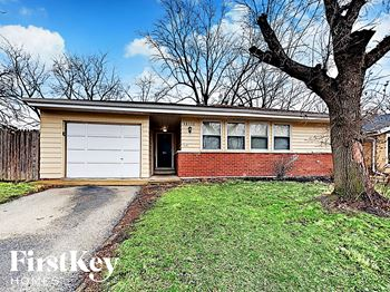 15115 HASTINGS Dr 3 Beds House for Rent Photo Gallery 1