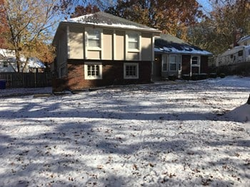1004 S Clairborne Rd 3 Beds House for Rent Photo Gallery 1