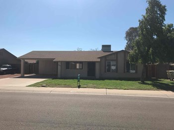 5219 W SIERRA St 4 Beds House for Rent Photo Gallery 1