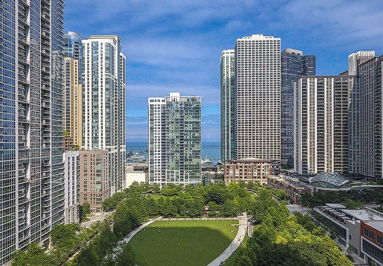 North Harbor Tower Chicago Apartments Lakeshore East