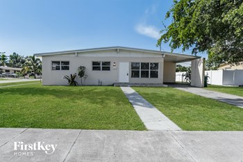 17940 NW 7Th Pl 3 Beds House for Rent Photo Gallery 1