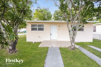 2035 NW 70th St 2 Beds House for Rent Photo Gallery 1