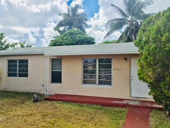 20600 NW 26th Ct 3 Beds House for Rent Photo Gallery 1