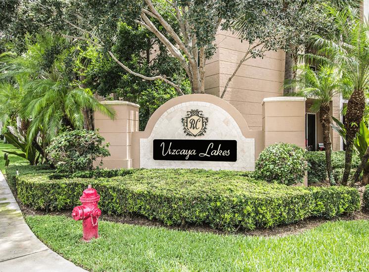 Vizcaya Lakes apartments monument sign in Boynton Beach, Florida