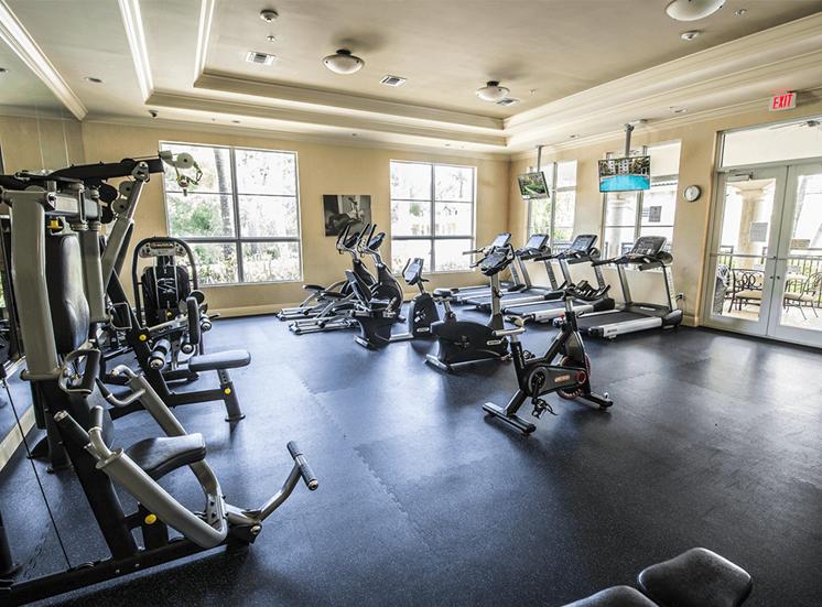 Vizcaya Lakes apartments fitness center in Boynton Beach, Florida