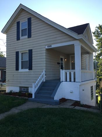 6586 Parrish Ave 3 Beds House for Rent Photo Gallery 1