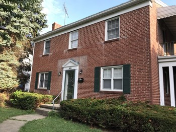 1938 Waltham Ave 2 Beds House for Rent Photo Gallery 1