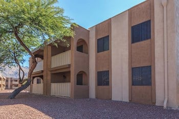4500 East Sunrise Drive 1-2 Beds Apartment for Rent Photo Gallery 1