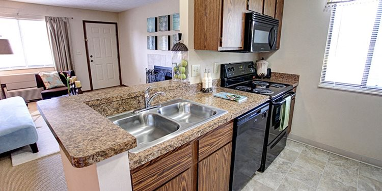 Fully-Equipped Kitchen with Granite Countertops, at Springburne at Polaris Apartments in Columbus, Ohio 43235