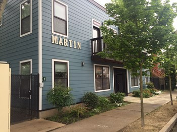 2955 NE Marting Luther King JR 1 Bed Apartment for Rent Photo Gallery 1
