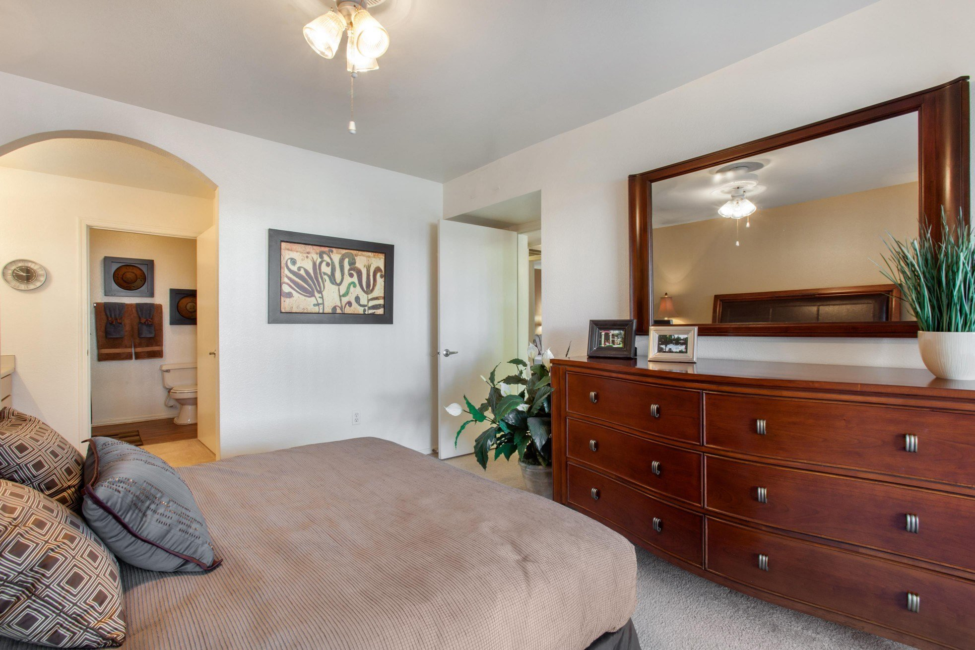 The Village at Lindsay Park|Bedroom
