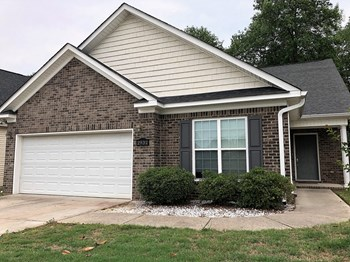 2932 Aylesbury Drive 3 Beds House for Rent Photo Gallery 1