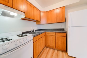 1809 Douglas Ave. 1-2 Beds Apartment for Rent Photo Gallery 1