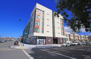 805 N 71st Ave 1-2 Beds Apartment for Rent Photo Gallery 1