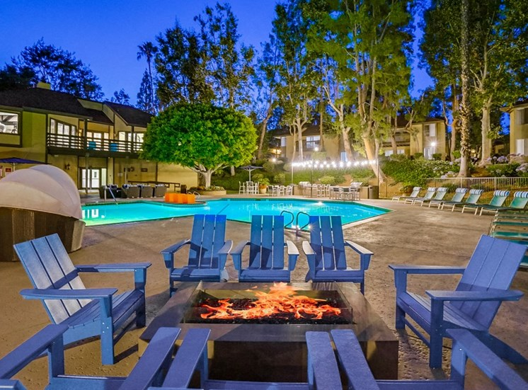 Relaxing Pool And Outdoor Entertainment Area at The Trails at San Dimas, 444 N. Amelia Avenue