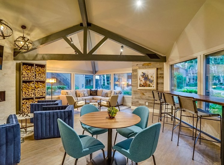 Resident Lounge With Wifi at The Trails at San Dimas, 444 N. Amelia Avenue