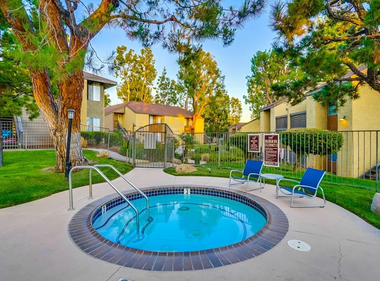 Outdoor Jacuzzi at The Trails at San Dimas, 444 N. Amelia Avenue