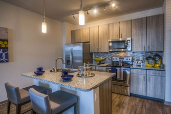 370 Center Lake Lane 1-3 Beds Apartment for Rent Photo Gallery 1