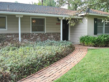 1450 Holly Avenue 2 Beds Apartment for Rent Photo Gallery 1