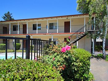 524 Kendall Ave 1 Bed Apartment for Rent Photo Gallery 1