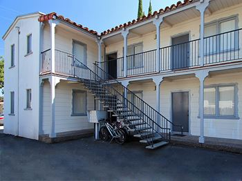 670 Live Oak Avenue Studio-1 Bed Apartment for Rent Photo Gallery 1