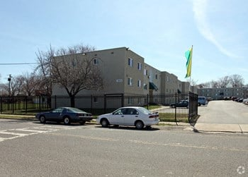 3215 Swann Rd 1-3 Beds Apartment for Rent Photo Gallery 1