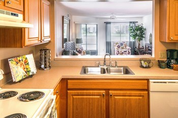 1088 West Granada Blvd 1-2 Beds Apartment for Rent Photo Gallery 1