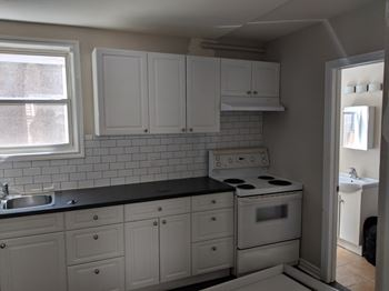 Admirable Apartments Under 2200 In St Catharines On Rentcafe Home Interior And Landscaping Mentranervesignezvosmurscom
