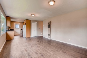 15706 1st Ave NE 1-2 Beds Apartment for Rent Photo Gallery 1