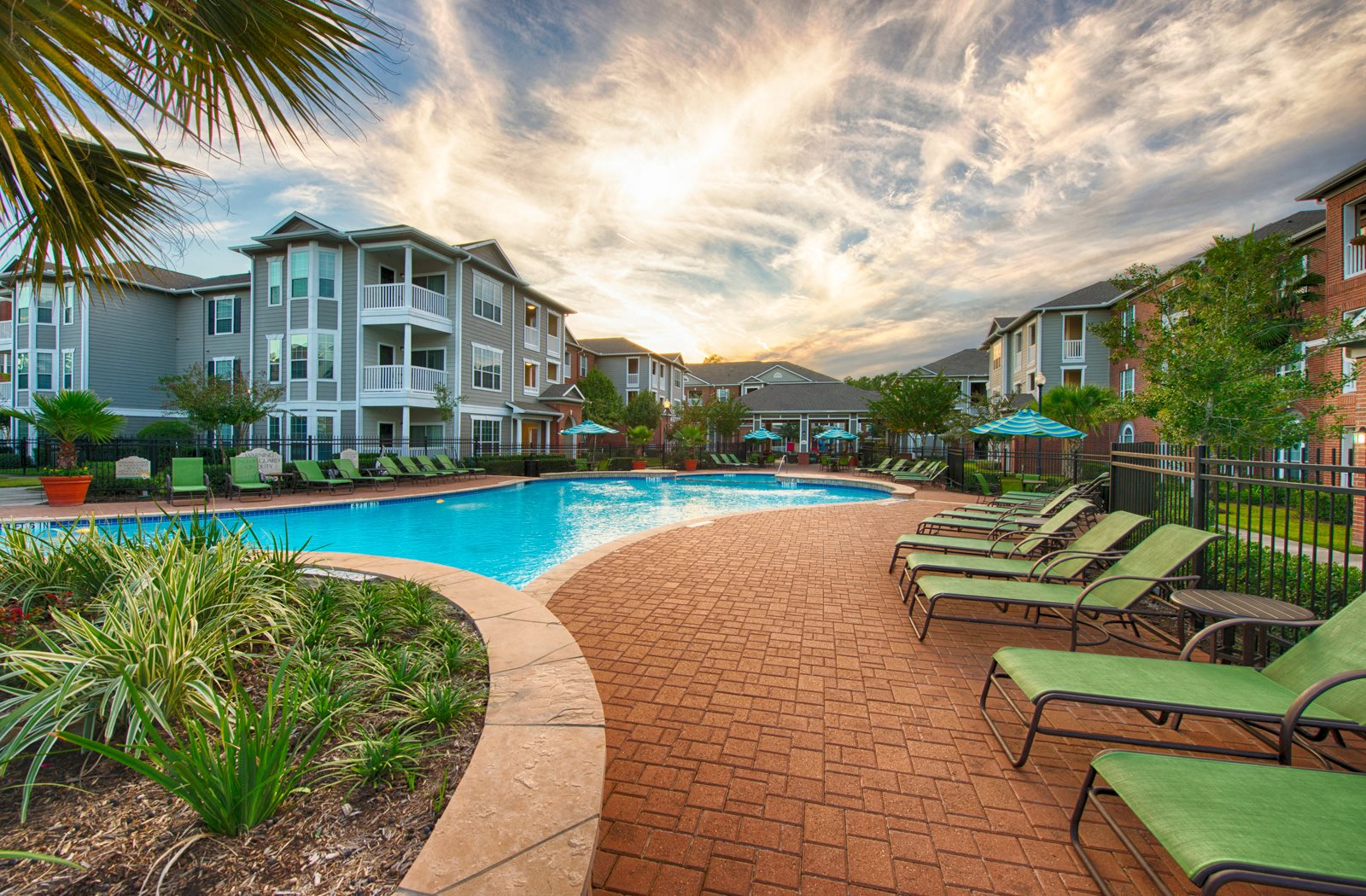 resort style swimming pool | Plantation at the Woodlands Apartments in The Woodlands, TX
