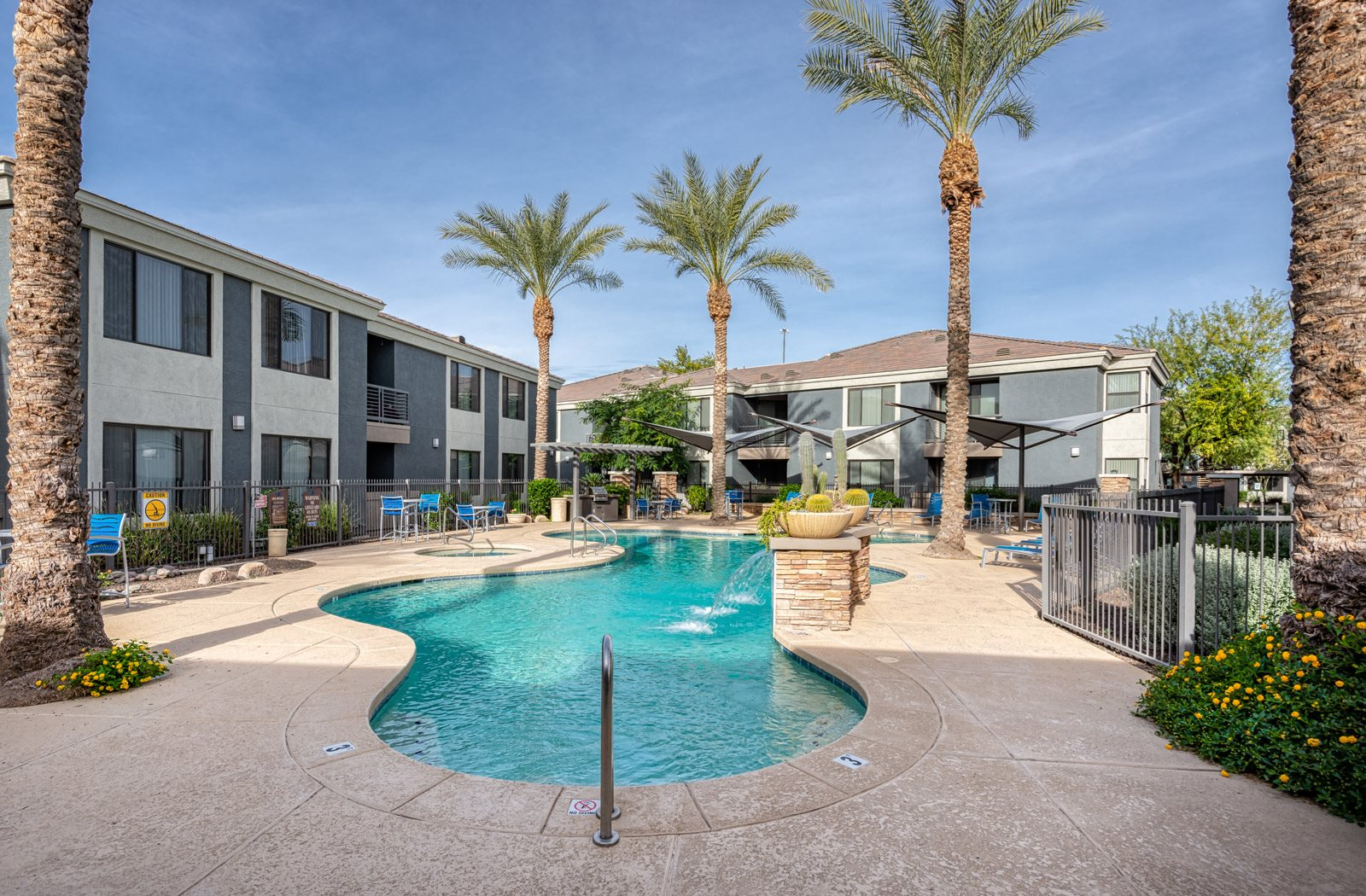 sparkling swimming pool | Element Deer Valley Apartments Phoenix, Arizona