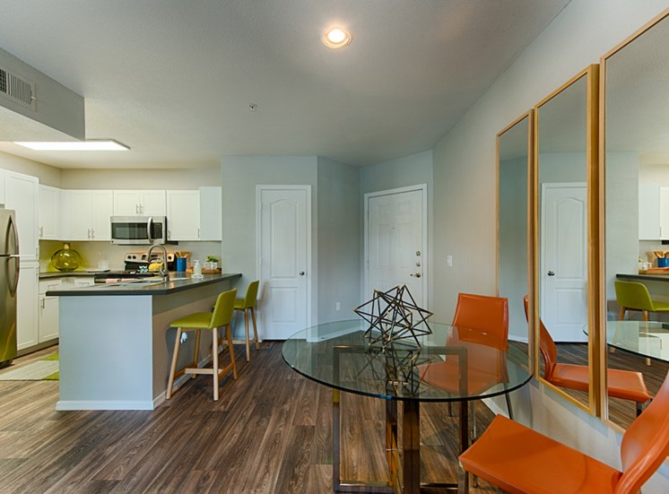 Element Deer Valley, apartments for rent, Phoenix, AZ, breakfast bar