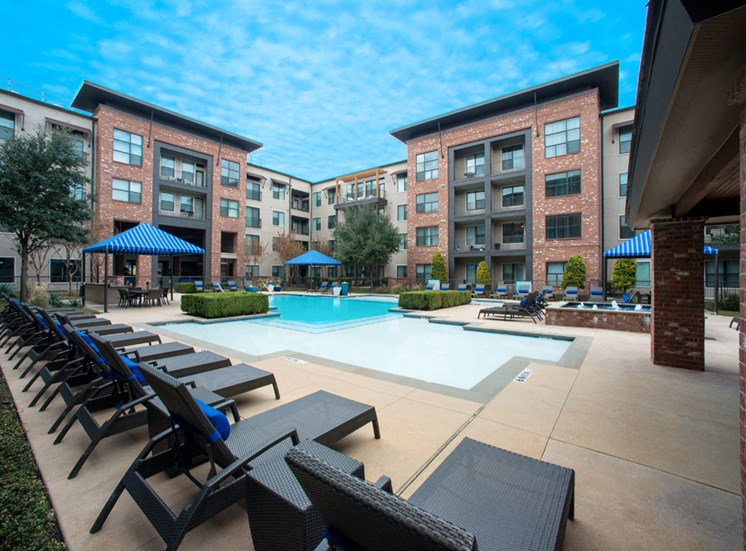 Gramercy on the Park Apartments for Rent Dallas, TX, pool
