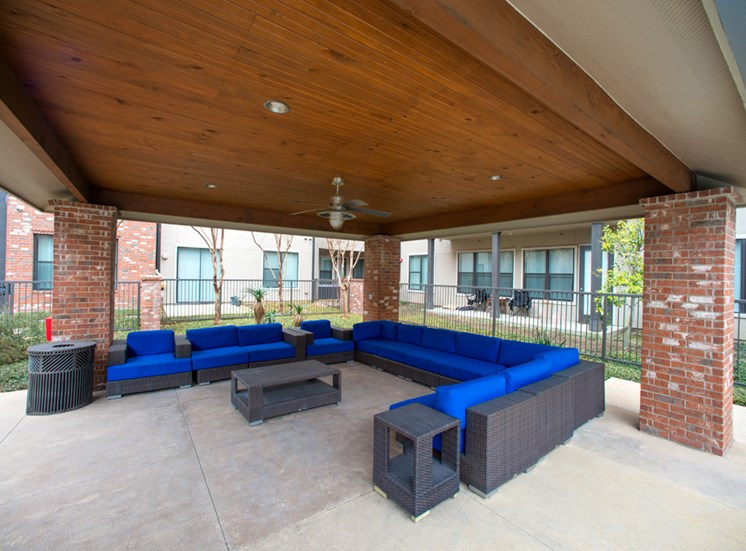 Gramercy on the Park Apartments for Rent Dallas, TX, outdoor lounge and fireplace
