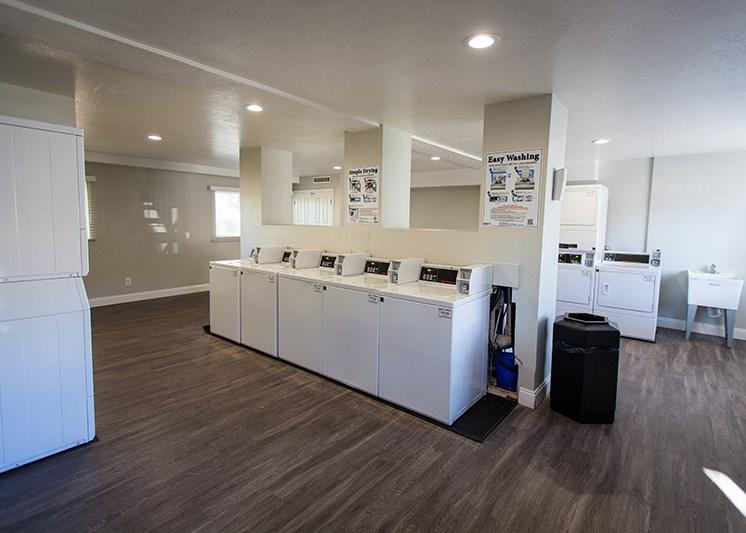 Mountain Run Laundry Room