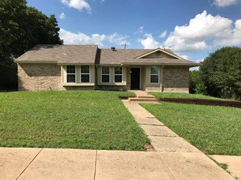 1421 Ross Ln 3 Beds House for Rent Photo Gallery 1