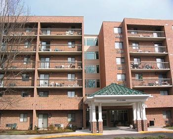 4105 Old Iron Court 1-4 Beds Apartment for Rent Photo Gallery 1
