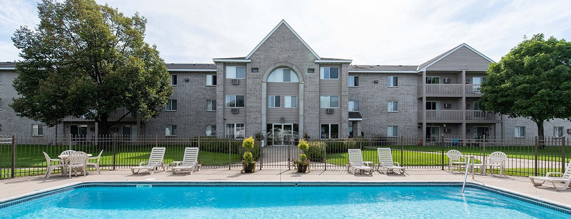 Pool Side Relaxing Area at Wedgewood Park Apartments, Coon Rapids, MN, 55448