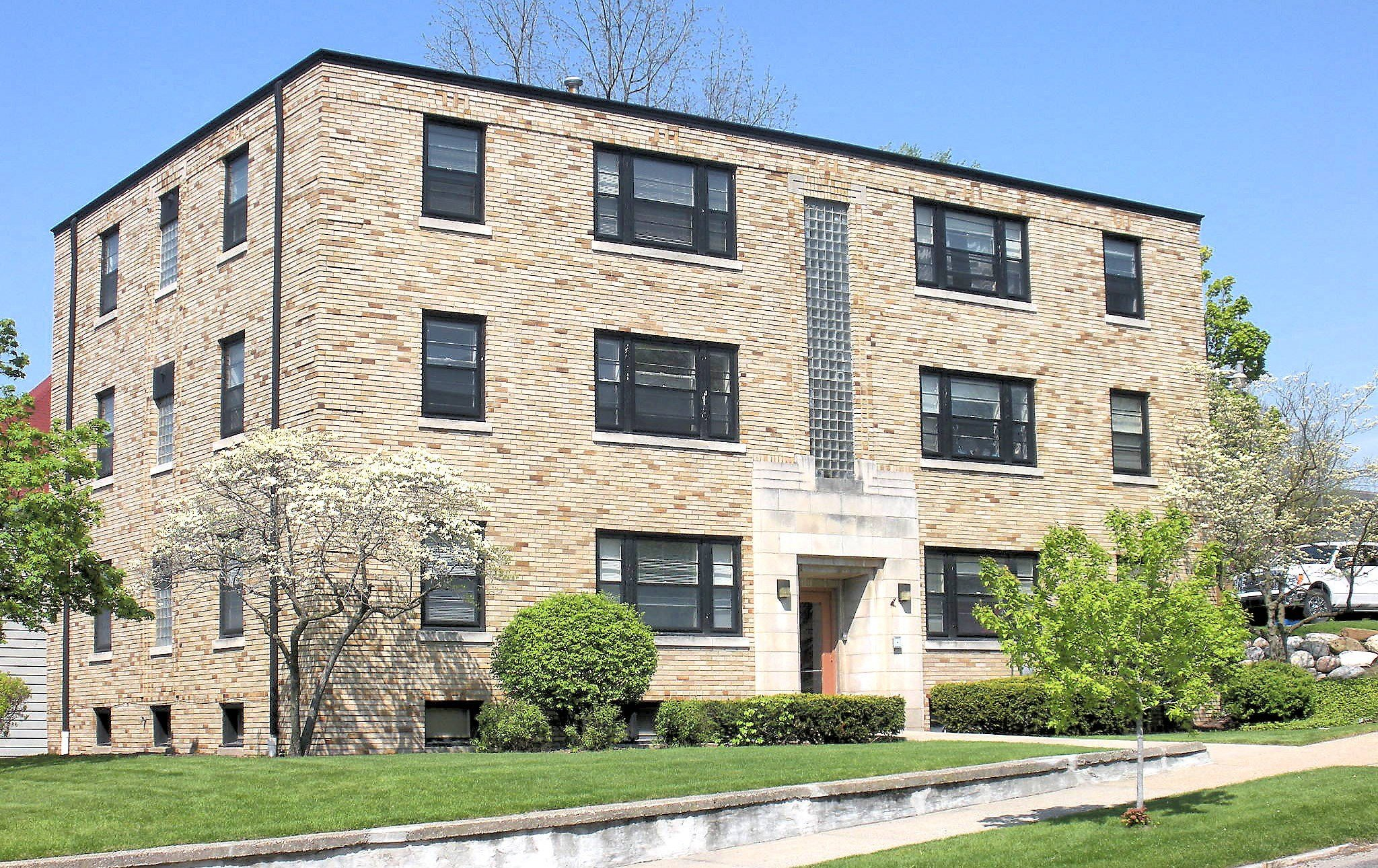 11-prospect-dwontown-grand-rapids-apartments