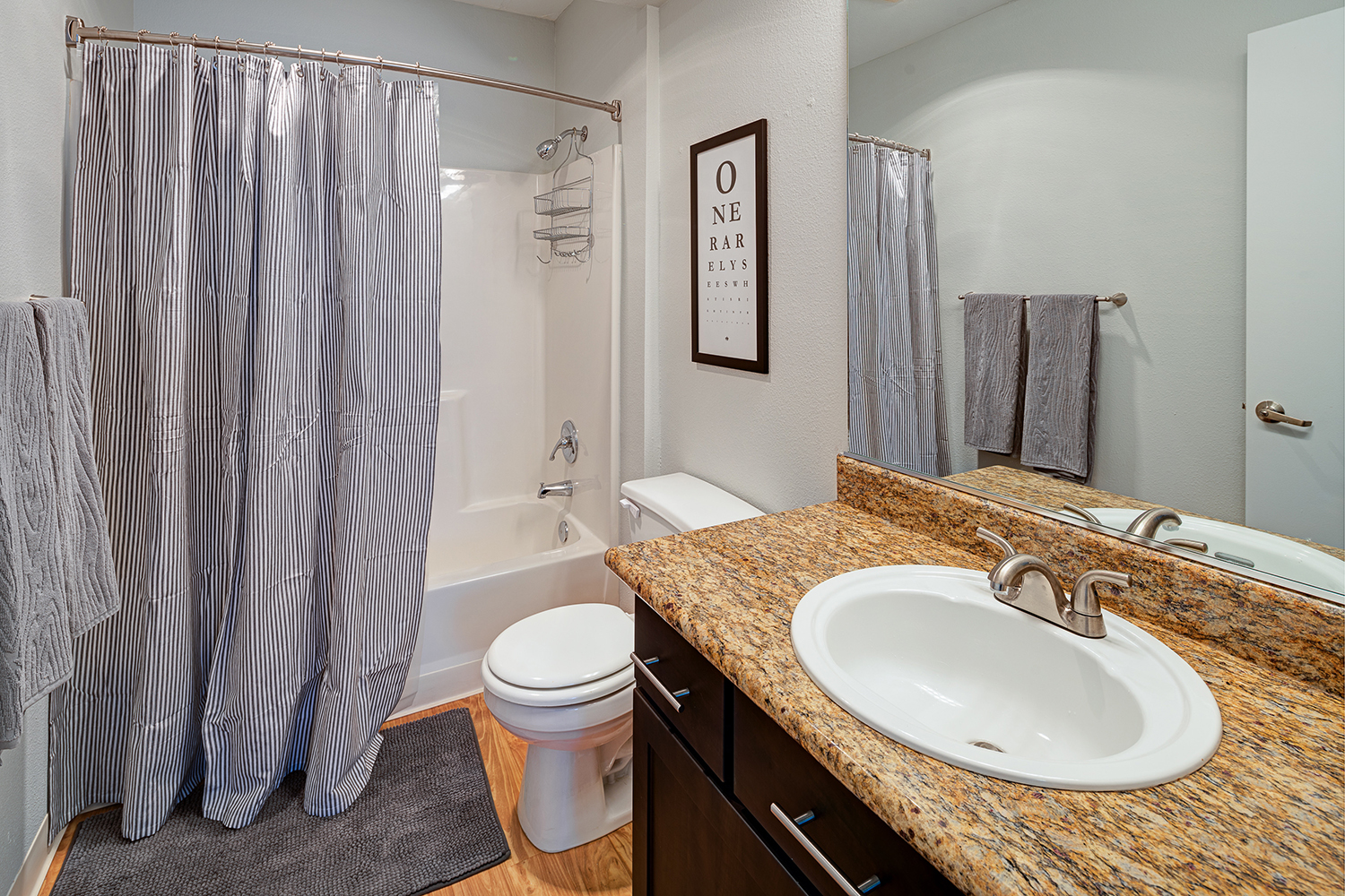Luxurious Garden Tub at Axcess 15 Apartments, OR, 97232