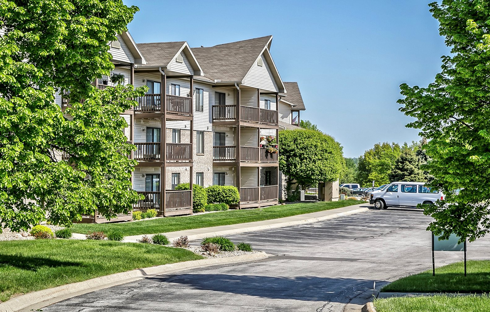Southwest Gables | Apartments in Omaha, NE