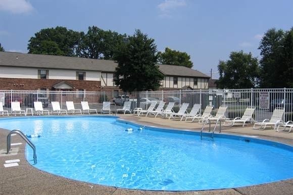 Village Green Apartments 4700 East Riverside Drive