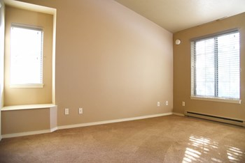 636 E Magnesium Rd 1-3 Beds Apartment for Rent Photo Gallery 1