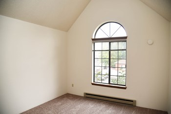 3406 S Grand Blvd 2 Beds Apartment for Rent Photo Gallery 1