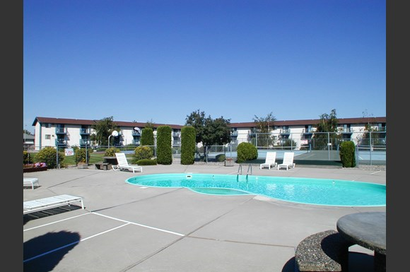 Center Court Apartments Spokane Wa