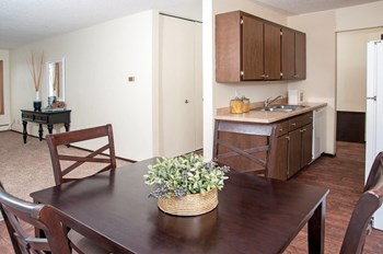 1701 West Burnsville Parkway 1-2 Beds Apartment for Rent Photo Gallery 1